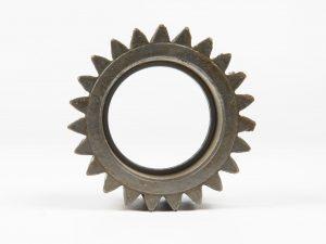 Numar dinti: 27 Diametru interior 72mm Diametru exterior 101 mm Latime pinion 58.25 mm